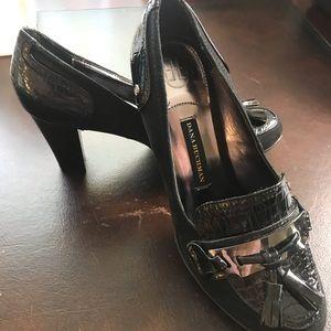 Dana Buchman suede heels size 81/2 med.Shoes